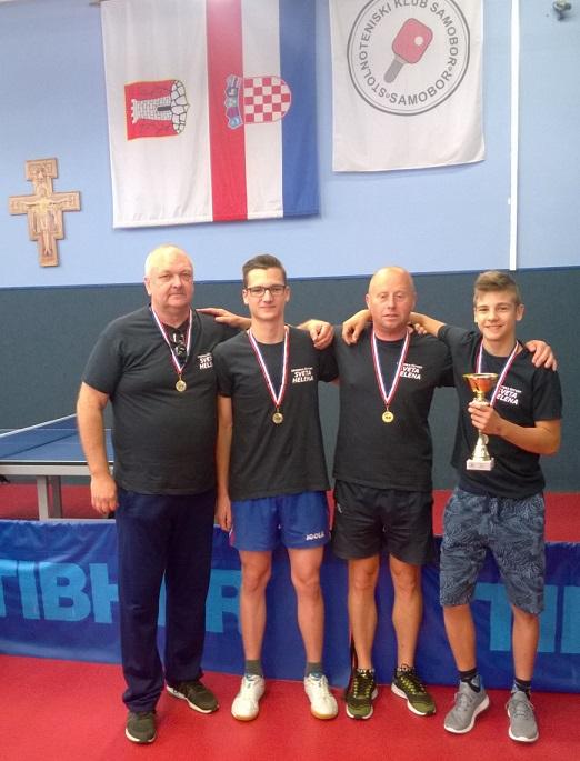 Pobjednici 6. samoborske stolnoteniske lige - Sveta Helena lnd Božidar, Kristijan, Stanislav i Filip